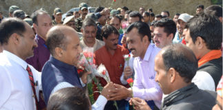Shri Jai Ram Thakur being welcomed at Raingalu