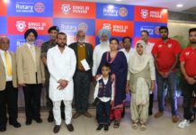 Kings XI Punjab and Rotary Club Chandigarh give Rs.25 lakh to 5 families of martyrs from Punjab and Himachal Pradesh.